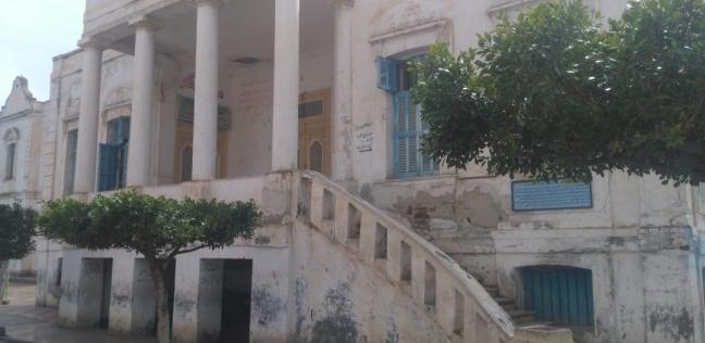 «إبيانة».. عمدة قرية الزعيم يطالب المسئولين بترميم منزله وتحويله إلى مزار سياحى