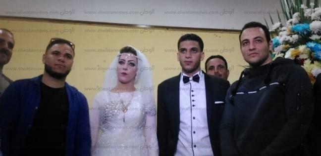 عروسان يدليان بصوتيهما في إدكو بالبحيرة