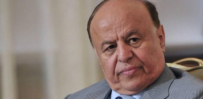 اليمن يوقف استيراد السلع الكمالية لضبط خروج النقد الأجنبي