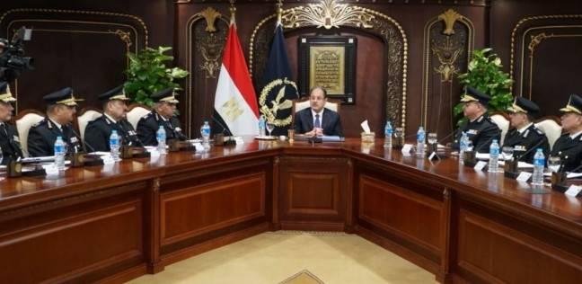 مدير أمن العاصمة يشكر ضباط مباحث شرق القاهرة لضبطهم العصابة الدولية