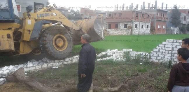 إزالة: 13 حالة تعدٍ على الأراضى الزراعية في البحيرة