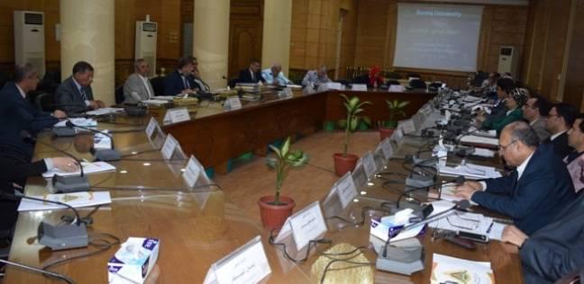 رئيس جامعة بنها يهنئ عمداء الكليات الجدد