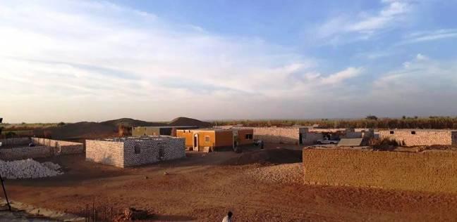 «جبران» أسوان: الطاقة الشمسية تعيدها لـ«الدنيا».. والأجهزة الكهربائية تدخل المنازل