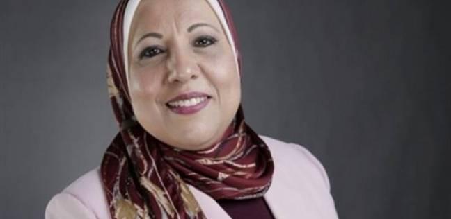 """نادية مبروك تطلب أسماء ضيوف إذاعة """"القرآن الكريم"""" خلال موسم الحج"""