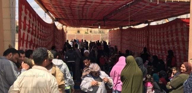 تركوا العقارات من أجل الاستفتاء.. البوابون بمدينة أكتوبر يلبون الوطن