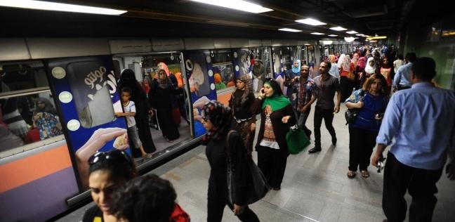 """""""مترو الأنفاق"""": شاب حاول الانتحار تحت عجلات القطار بمحطة """"ساقية مكي"""""""