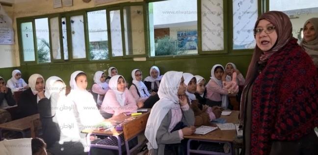 """وكيل """"التربية والتعليم"""" تتفقد عودة المدارس بالعريش"""