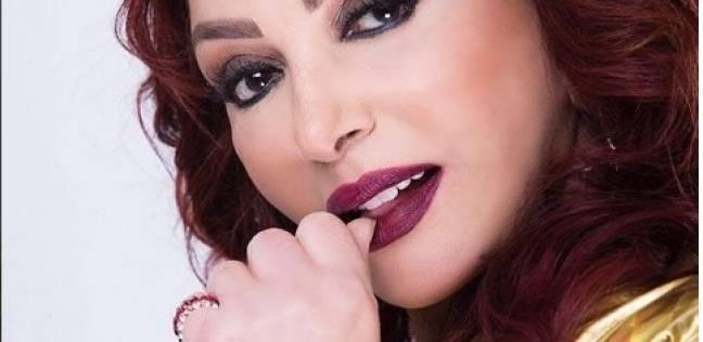 """نبيلة عبيد بعد إدلائها بصوتها في الانتخابات: """"مصر دي روحنا"""""""