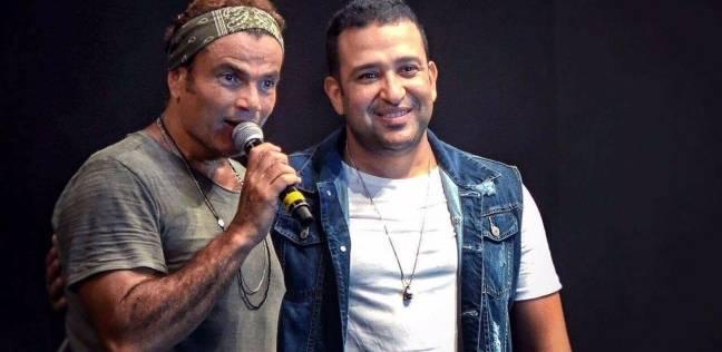 """مؤلف """"يوم التلات"""" يكشف كواليس الأغنية: عمرو دياب بيحب كل جديد"""