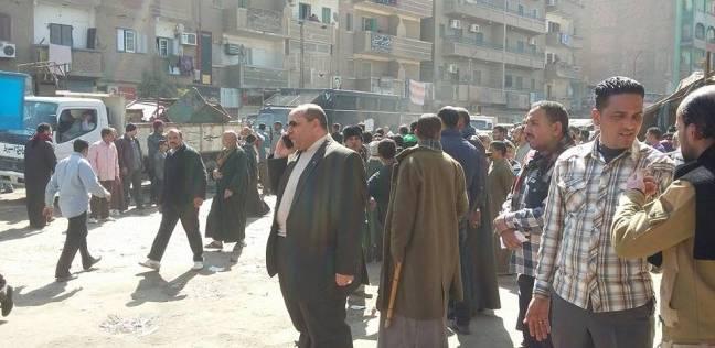 عاجل| سائقو منفلوط يقطعون الطريق احتجاجا على نقل الموقف