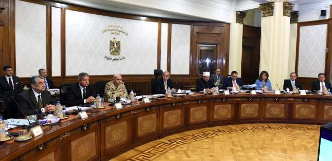 """""""الوزراء"""" يوافق على مشروع قانون تنظيم الإعلانات على الطرق العامة"""