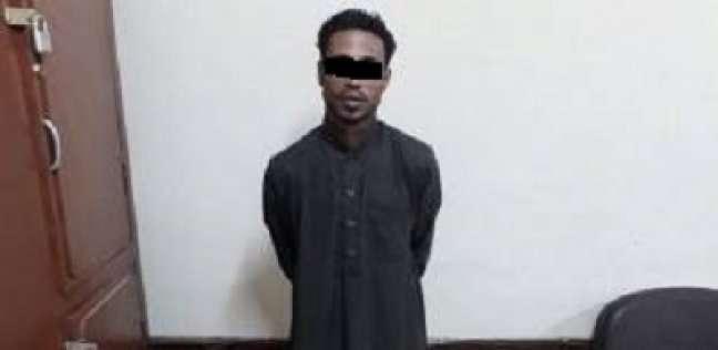 ضبط عاطل سبق اتهامه بـ15 قضية بحوزته سلاح ناري في أسوان