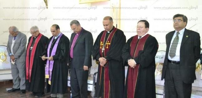 بالصور  محافظ الإسماعيلية يشهد حفل تنصيب راعي الكنيسة الإنجيلية