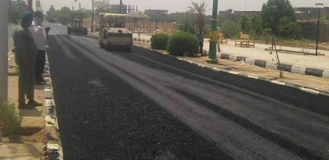 استمرار أعمال إنشاء الطريق الدائري لمشروع الـ1.5 مليون فدان بالفرافرة