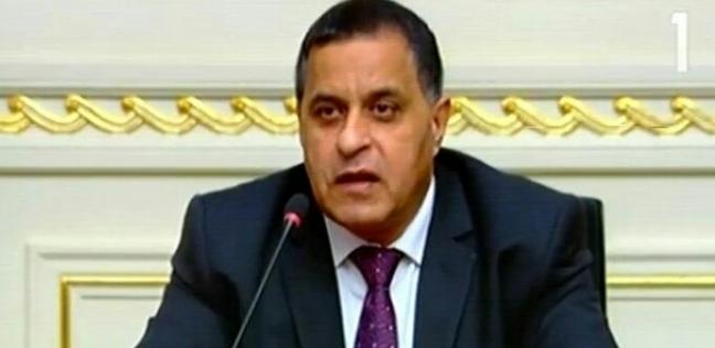 """رئيس السكة الحديد في جولة مفاجئة بمواقع تشغيل على خط """"القاهرة - أسوان"""""""