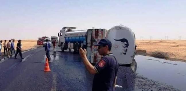 """انقلاب """"مقطورة مازوت"""" على الطريق الصحراوي الغربي بإدفو دون إصابات"""