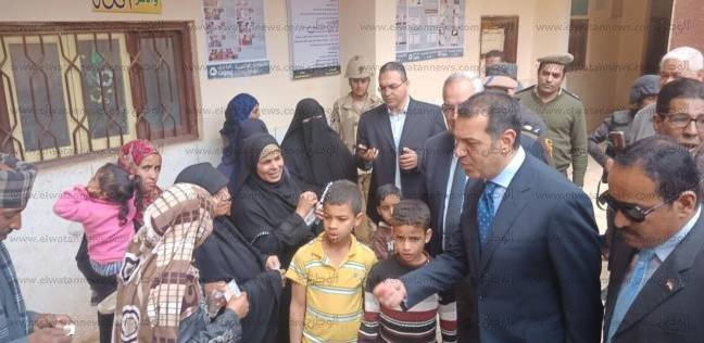 """محافظ أسيوط ومدير الأمن يتفقدان لجنة """"منقباد الثانوية"""""""
