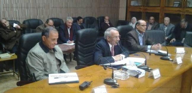 محافظ شمال سيناء يطالب لجنة حصر