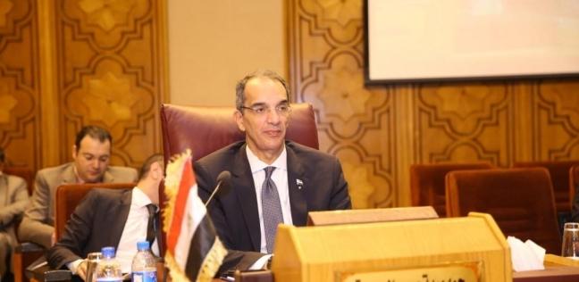 وزير الاتصالات يتفقد معهد تكنولوجيا المعلومات في جامعة أسوان
