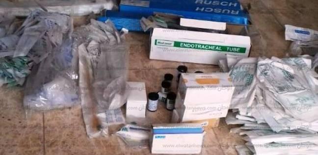 ضبط صاحب مصنع مستلزمات طبية مجهولة بالقاهرة