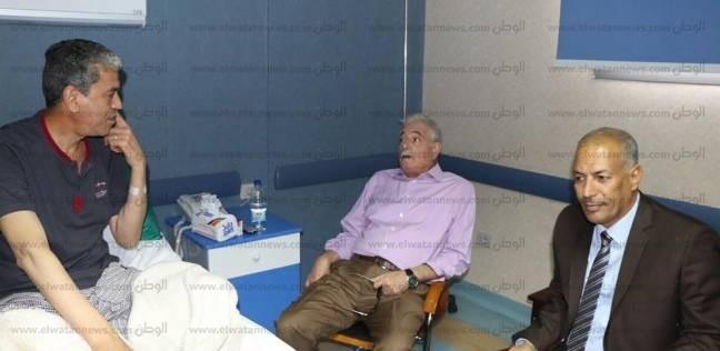 محافظ جنوب سيناء يزور رئيس المباحث الجنائية لمروره بوعكة صحية