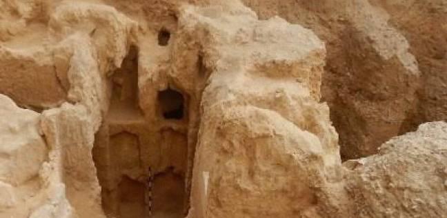اكتشاف مقبرة تعود للعصر الروماني بالإسكندرية تحتوي على 300 قطعة أثرية
