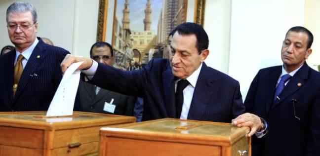 مصدر قضائي: مبارك وزوجته ونجلاه لم يصوتوا حتى الآن