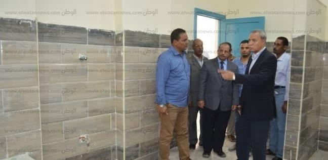 محافظ قنا يتفقد أعمال إحلال وتجديد مستشفيات «أبو تشت ونجع حمادي ودشنا»