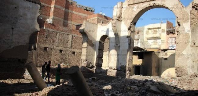 «خوخة اليهود».. معبد أثرى تحول إلى وكر