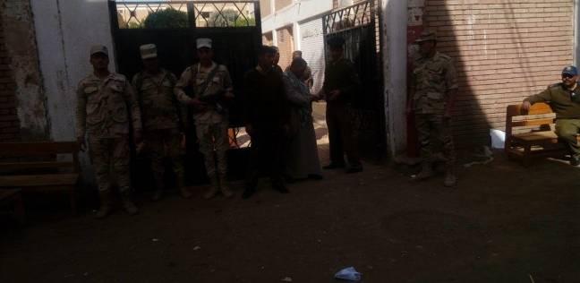 إجراءات أمنية مشددة أمام اللجان الانتخابية في المنيا