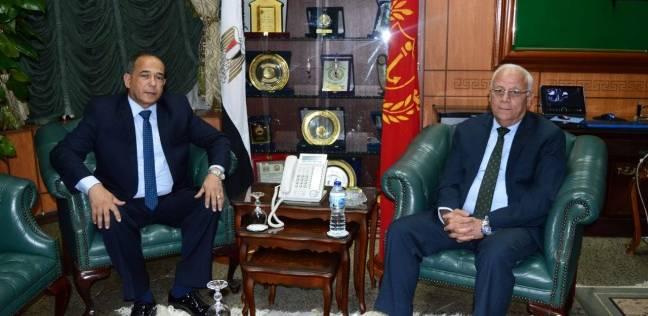 محافظ بورسعيد يستقبل مدير الأمن الجديد في مكتبه بالديوان العام
