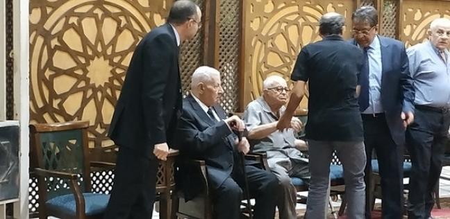 وزير التموين يقدم واجب العزاء لمكرم محمد أحمد في وفاة شقيقته