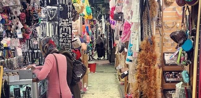 «زنقة الستات».. لا مكان للمنتجات المصرية «كله صينى»
