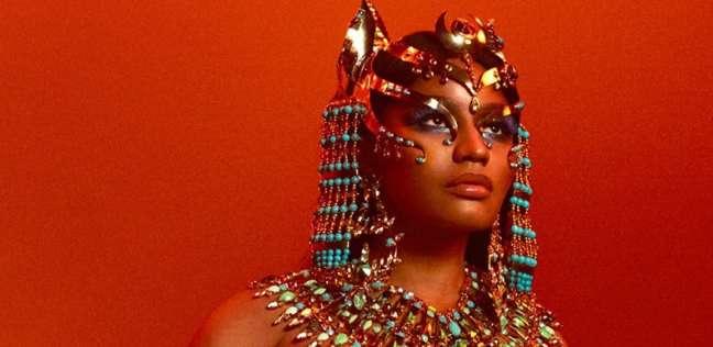 """نيكي ميناج """"ملكة فرعونية"""" في ألبومها الجديد"""