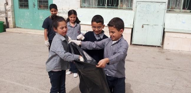 أولياء أمور بالإسكندرية يعترضون على مشاركة أولادهم فى حملات النظافة