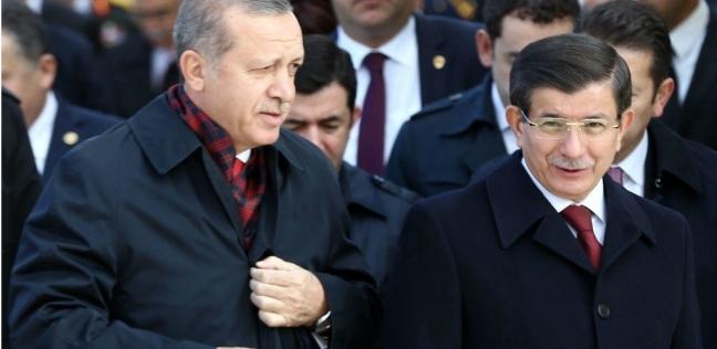 أوغلو ينقلب على أردوغان: كان يجب إبعادي من رئاسة الوزراء لتنفيذ سيناريو انقلاب 2016