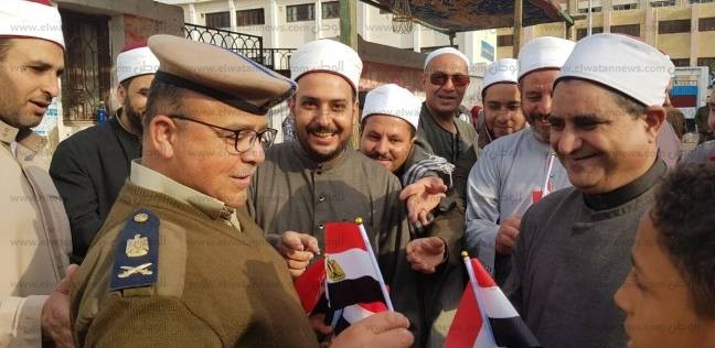 """وكيل """"أوقاف البحيرة"""" يتابع سير الانتخابات بعدد من لجان كفرالدوار"""