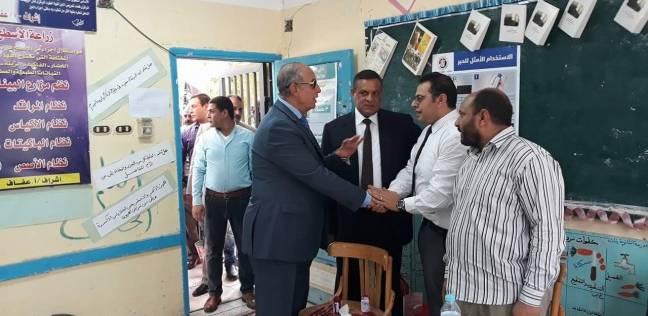 محافظ البحر الأحمر يتفقد اللجان ويطمئن على سير الانتخابات في سفاجا