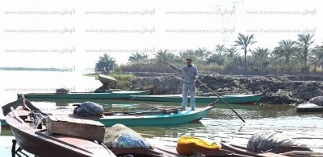صيادو إدكو والمعدية: 25 ألف فدان فقدتها البحيرة والتعديات «بتهدد رزقنا وصحتنا»