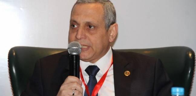 رئيس الجمارك المصرية يدلي بصوته في الانتخابات الرئاسية