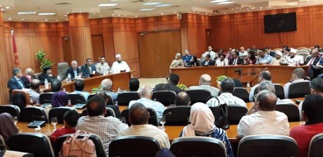 محافظ بورسعيد يستقبل المهنئين بعيد الأضحى