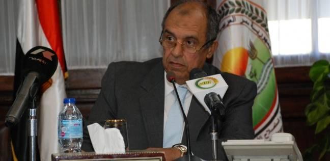 وزير الزراعة يبحث المشروعات التنموية مع كوادر الشباب بالوزارة