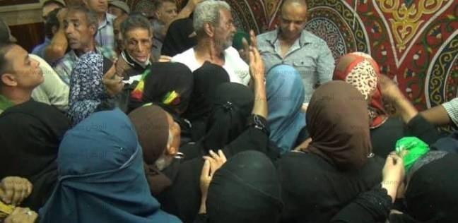 قافلة الأزهر توزع 250 بطانية على أسر المنقولين من الشيخ زويد ورفح
