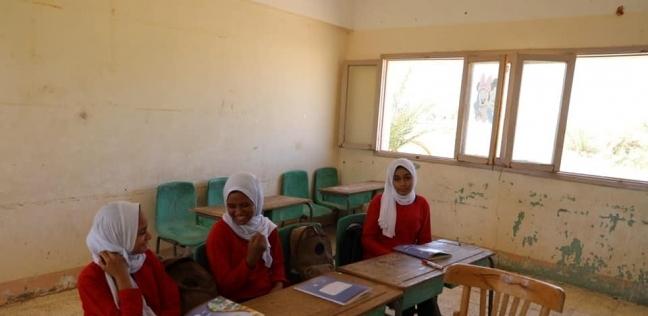 بعد أسبوع على غلقها.. مصير مدرسة الـ3 طالبات في الوادي الجديد - مصر -