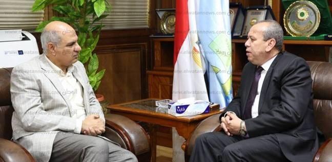 بالصور  رئيس جامعة كفر الشيخ يهنئ المحافظ الجديد بتوليه المنصب