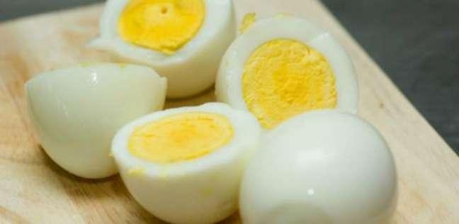 البيضة تعادل تدخين 5 سجائر.. دراسة تحذر البيض أسوأ من التدخين