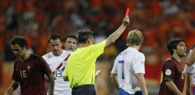 لحظات غير أخلاقية في كأس العالم: 4 كروت حمراء و16 صفراء في مباراة