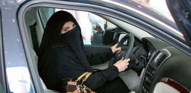 بالصور| بعد السماح للمرأة بالقيادة.. 5 سيارات مناسبة للسعوديات
