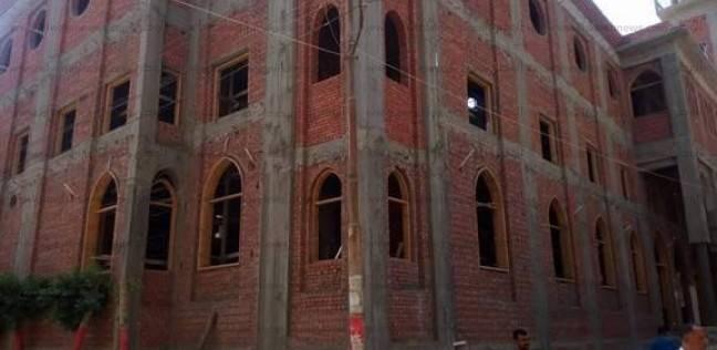 الوحدة الوطنية تتجسد في المنيا.. مسيحي يتبرع بـ200 ألف جنيه لبناء مسجد