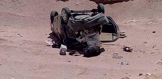 """إصابة 6 عمال في انقلاب سيارة أجرة على طريق """"القاهرة - الفيوم"""""""